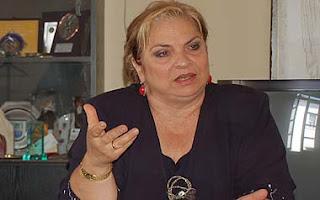 Η Χαρούλα Ουσουλτζόγλου… «πήρε το όπλο της»