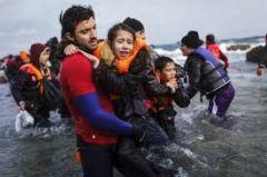 Στις πλάτες των προσφύγων