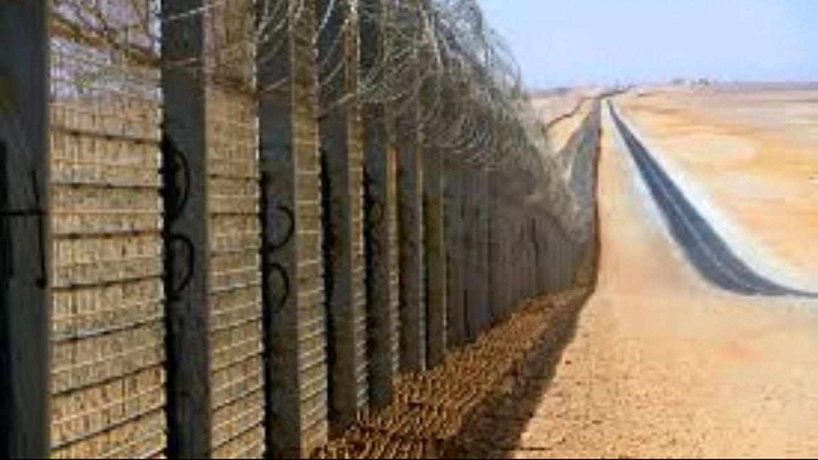 Αυτά τα τείχη δεν ενοχλούν;