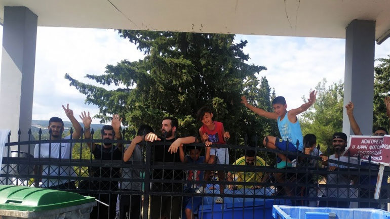 Με αφορμή την κινητοποίηση στη Δομή Φιλοξενίας Προσφύγων στην Αγία Βαρβάρα