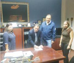 «Κατασκευή και βελτίωση δρόμων Δήμου Αλεξάνδρειας»:Υπογράφηκε η σύμβαση για την εκτέλεση του έργου