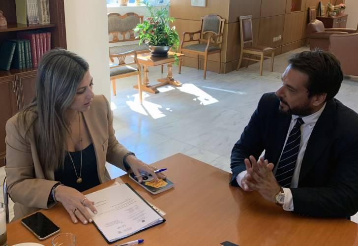 Ο Τ. Μπαρτζώκας μετέφερε στην υφυπουργό Σ. Ζαχαράκη αιτήματα της ΕΛΜΕ Ημαθίας
