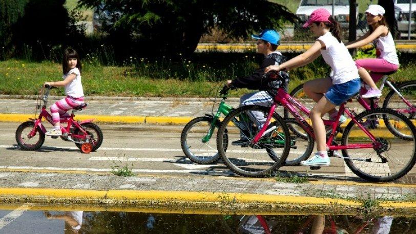 Δύο μεγάλα δίκτυα ποδηλατοδρόμων και δωρεάν κοινόχρηστα ποδήλατα θα αποκτήσει η Πάτρα (Ας τα βλέπουν οι δικοί μας τοπικοί άρχοντες!)