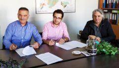 """Υπεγράφη η σύμβαση για το έργο """" Δημοτική Βιβλιοθήκη και Kέντρο Μουσικής Μακροχωρίου» μεταξύ ΑΝΗΜΑ και ΚΕΠΑ"""