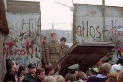 Τα 30 χρόνια «από την πτώση του τείχους» και η πραγματικότητα