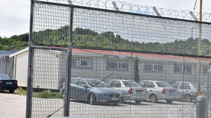 ΚΥΒΕΡΝΗΤΙΚΕΣ ΑΝΑΚΟΙΝΩΣΕΙΣ: Με «κλειστά κέντρα» σε πέντε νησιά η συνέχιση του εγκλωβισμού προσφύγων και μεταναστών