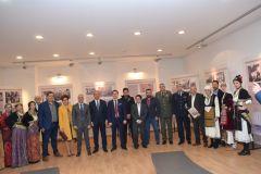Ο  Υφυπουργός Εσωτερικών (Μακεδονίας  Θράκης) κ. Θεόδωρος Καράογλου εγκαινίασε στη Νάουσα την περιοδική έκθεση «Η Ελληνίδα στον πόλεμο»