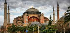 «Η Αγία Σοφία να παραμείνει μουσείο. Οχι στη μετατροπή σε τζαμί» λένε προοδευτικοί τούρκοι επιστήμονες