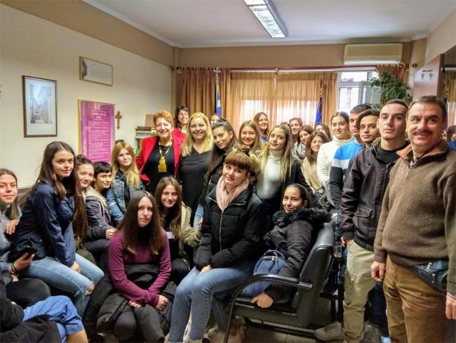 Τους  ΠΡΩΤΟΥΣ  πιστοποιημένους ανανήπτες μαθητές στην Ημαθία υποδέχτηκε η Διευθύντρια Δευτεροβάθμιας Εκπαίδευσης Ημαθίας