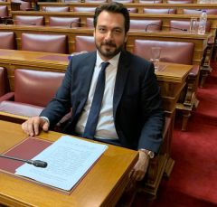 Με ερώτηση στη Βουλή ο Τ. Μπαρτζώκας αναδεικνύει το ζήτημα της δια βίου εκπαίδευσης, εργασίας και της εν γένει κοινωνικής ενσωμάτωσης των ΑμεΑ στο κοινωνικό σύνολο