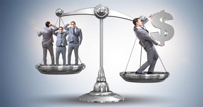 Μια χούφτα πλουτοκράτες κατέχουν περισσότερα χρήματα από το 60% της ανθρωπότητας