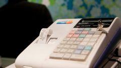 Αποσύρονται οι ταμειακές μηχανές που δεν έχουν online σύνδεση με την ΑΑΔΕ