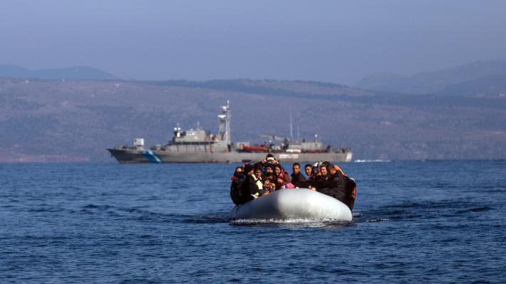 ΥΠΟΥΡΓΕΙΟ ΕΘΝΙΚΗΣ ΑΜΥΝΑΣ: Στήνει πλωτά φράγματα στο Αιγαίο κατά προσφύγων και μεταναστών