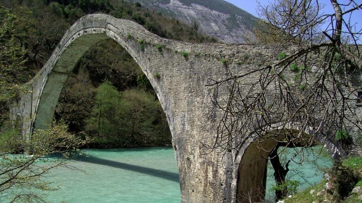 Η πιο μεγάλη αποκατάσταση πέτρινου γεφυριού στον κόσμο ολοκληρώθηκε