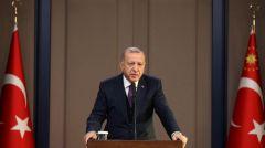 Ο Ερντογάν επιμένει ότι δεν θα κλείσουν τα σύνορα και καλεί σε περισσότερα παζάρια