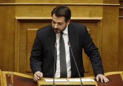 «Αντιπαράθεση του Τάσου Μπαρτζώκα με βουλευτές του ΣΥΡΙΖΑ για το μεταναστευτικό από το βήμα της Βουλής »