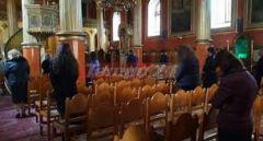 Η Εκκλησία ζητά να λειτουργούν οι ναοί κεκλεισμένων των θυρών