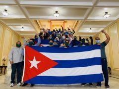 Γιορτάζοντας την Πρωτομαγιά στην κουβανική πρεσβεία στην Ουάσινγκτον