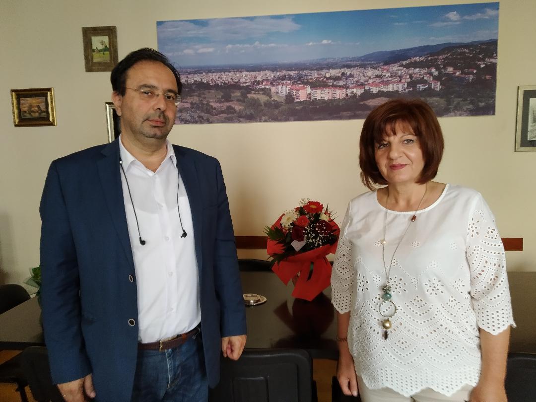 Φρόσω Καρασαρλίδου σε δήμαρχο Βέροιας και αντιπεριφερειάρχη Ημαθίας για θέματα του νομού