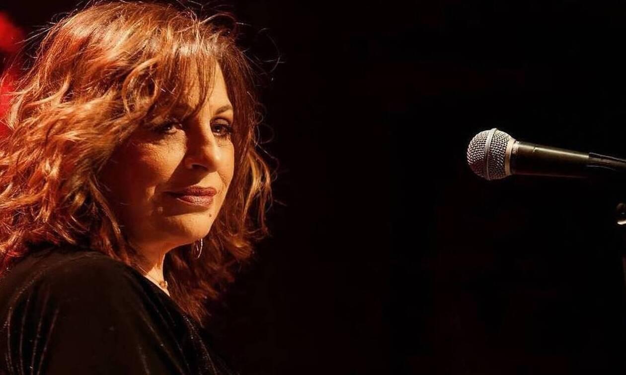 Η Ελληνίδα Έντιθ Πιάφ, η Χαρούλα Αλεξίου είπε αντίο στο τραγούδι