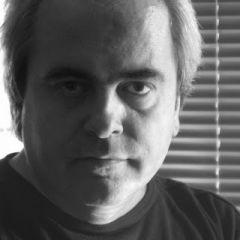 «Έφυγε» ο Κώστας Μπραβάκης