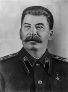 22 Ιούνη 1941 ξεκινάει η ναζιστική εισβολή στην ΕΣΣΔ