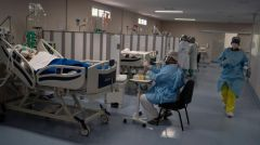 Πάνω από 461 χιλιάδες οι θάνατοι παγκοσμίως . 8,7 εκατομμύρια τα επιβεβαιωμένα κρούσματα