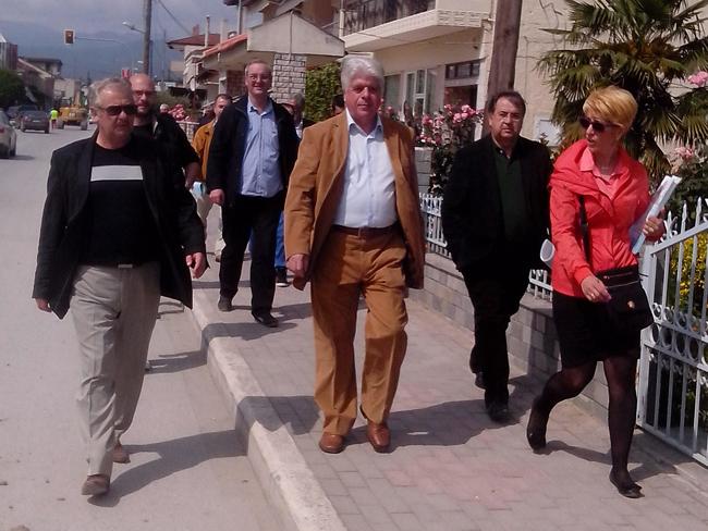 Στην λαϊκή αγορά του Μακροχωρίου ο Χρ. Σκουμπόπουλος