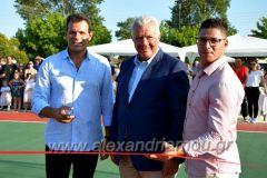 Τρίκαλα Ημαθίας: Ο Δημήτρης Ιτούδης εγκαινίασε το γήπεδο μπάσκετ που έκανε Δώρο στη γενέτειρά του
