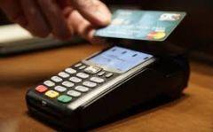 Παραμένει το 30% του εισοδήματος που πρέπει να πραγματοποιηθεί με «πλαστικό χρήμα»
