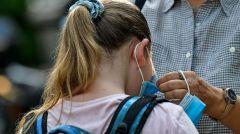 ΥΠΟΥΡΓΟΣ ΠΑΙΔΕΙΑΣ: Υποχρεωτική η χρήση μάσκας σε όλες τις ηλικίες των μαθητών