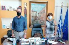 Φρόσω Καρασαρλίδου: Πλημμελής η προετοιμασία στα σχολεία για την πανδημία. Συνάντηση με τους διευθυντές