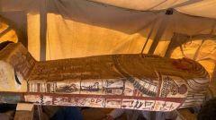 Ανακαλύφθηκαν ασύλητες σαρκοφάγοι 2.500 ετών στη νεκρόπολη της Σακκάρα