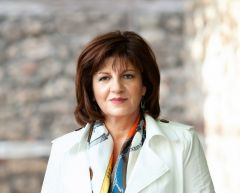 """Ερώτηση της βουλετή Φρόσως Καρασαρλίδου στη Βουλή για το """"πράσινο τέλος"""" στην κατανάλωση πετρελαίου κίνησης και τις επιπτώσεις του στους αγρότες."""