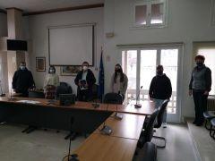 Συνάντηση Δημάρχου με νέες και νέους που θα εκπροσωπήσουν τη Νάουσα στη δράση «Βαδίζοντας στα Αχνάρια του 1821»