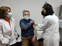 Όχι στην επικοινωνιακή διαχείριση των εμβολιασμών