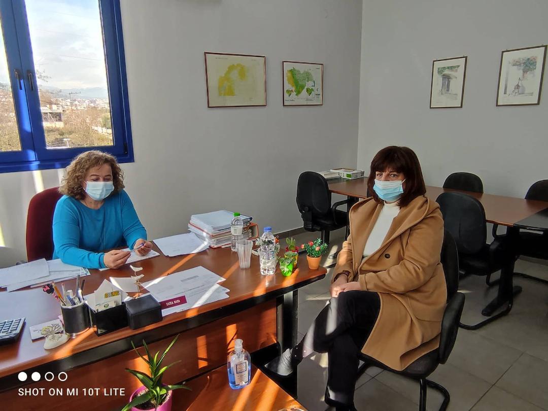 Επίσκεψη της βουλευτή του ΣΥΡΙΖΑ ΠΡΟΟΔΕΥΤΙΚΗ ΣΥΜΜΑΧΙΑ Ημαθίας Φρόσως Καρασαρλίδου στον ΕΛΓΑ Ημαθίας