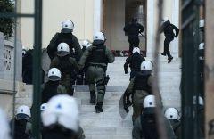 «Παντού αστυνομικοί, πουθενά γιατροί» στην Ελλάδα (Από τον Γερμανικό Τύπο)