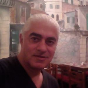 Νίκος Καραγιώργης: «Να δώσουμε ακόμα μεγαλύτερη ώθηση στις φωνές που σπάνε τη σιωπή, να τους δώσουμε το χέρι μας, να σηκωθούμε μαζί, ένα μπόι ψηλότερα»