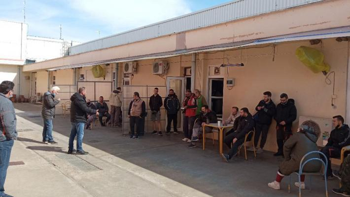 ΝΑΟΥΣΑ: Περιοδεία κλιμακίου του ΚΚΕ στον Αγροτικό Συνεταιρισμό και σε εργοστάσιο νηματουργίας
