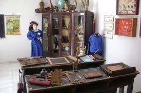 Και μ' εκείνο το Μουσείο της Εκπαίδευσης τι θα γίνει;