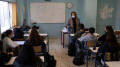 """ΚΝΕ: «Οι μαθητές δεν είναι ούτε """"εξεταστικά"""" ρομπότ ούτε πειραματόζωα! Εδώ και τώρα η κυβέρνηση να ικανοποιήσει τα δίκαια αιτήματά τους!»"""