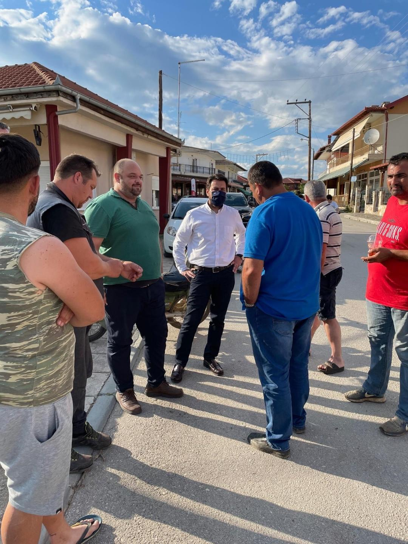 Επίσκεψη Τάσου Μπαρτζώκα σε πληγείσες περιοχές Ναουσας