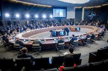 «ΝΑΤΟ 2030»: Ακονίζει μαχαίρια, για έναν κόσμο «αυξανόμενου παγκόσμιου ανταγωνισμού»