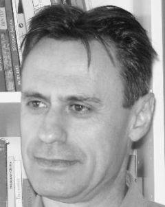Θανάσης Αλεξίου, καθηγητής στο Τμήμα Κοινωνιολογίας στο Πανεπιστήμιο Αιγαίου: «Η πανδημία παράγεται σε μεγάλο βαθμό από τον τρόπο που λειτουργεί μία κοινωνία.»