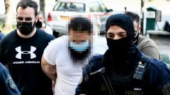 Προφυλακίστηκε ο ιερέας για την επίθεση με καυστικό υγρό στα μέλη του Συνοδικού Δικαστηρίου