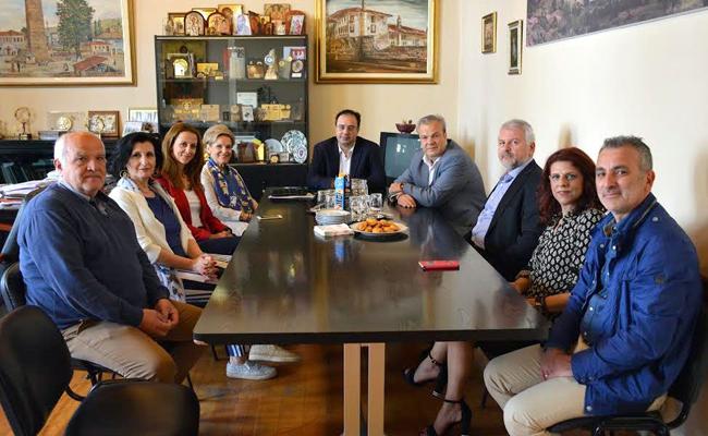 Επιταγή με οικονομική βοήθεια προς το Κοινωνικό Παντοπωλείο του Δήμου Βέροιας παράδωσε ο Όμιλος ΟΤΕ