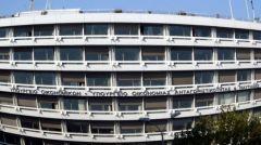 Μαχαίρι στην επιχορήγηση νοσοκομείων και στα επιδόματα για το ματωμένο πλεόνασμα των 1,8 δισ. ευρώ