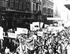 73 ΧΡΟΝΙΑ ΑΠΟ ΤΗΝ ΑΠΕΛΕΥΘΕΡΩΣΗ ΤΗΣ ΑΘΗΝΑΣ: Χρήσιμα διδάγματα από έναν ηρωικό λαϊκό αγώνα