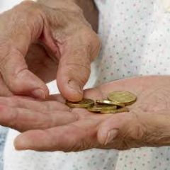 Σε τροχιά περαιτέρω συρρίκνωσης το λαϊκό εισόδημα!